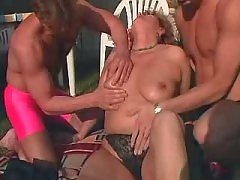 Busty mature does perfect blowjob