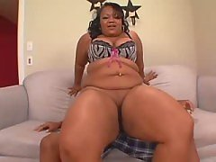 Ebony housewife screwed by blackie